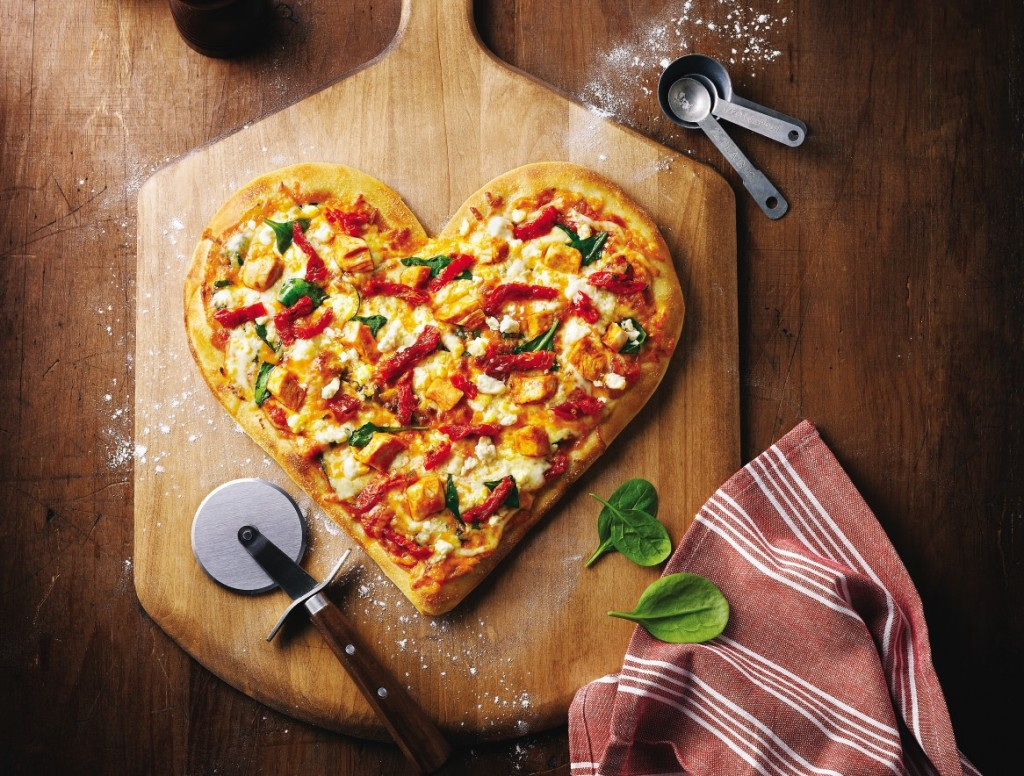 Heart-Pizza-Wallpaper